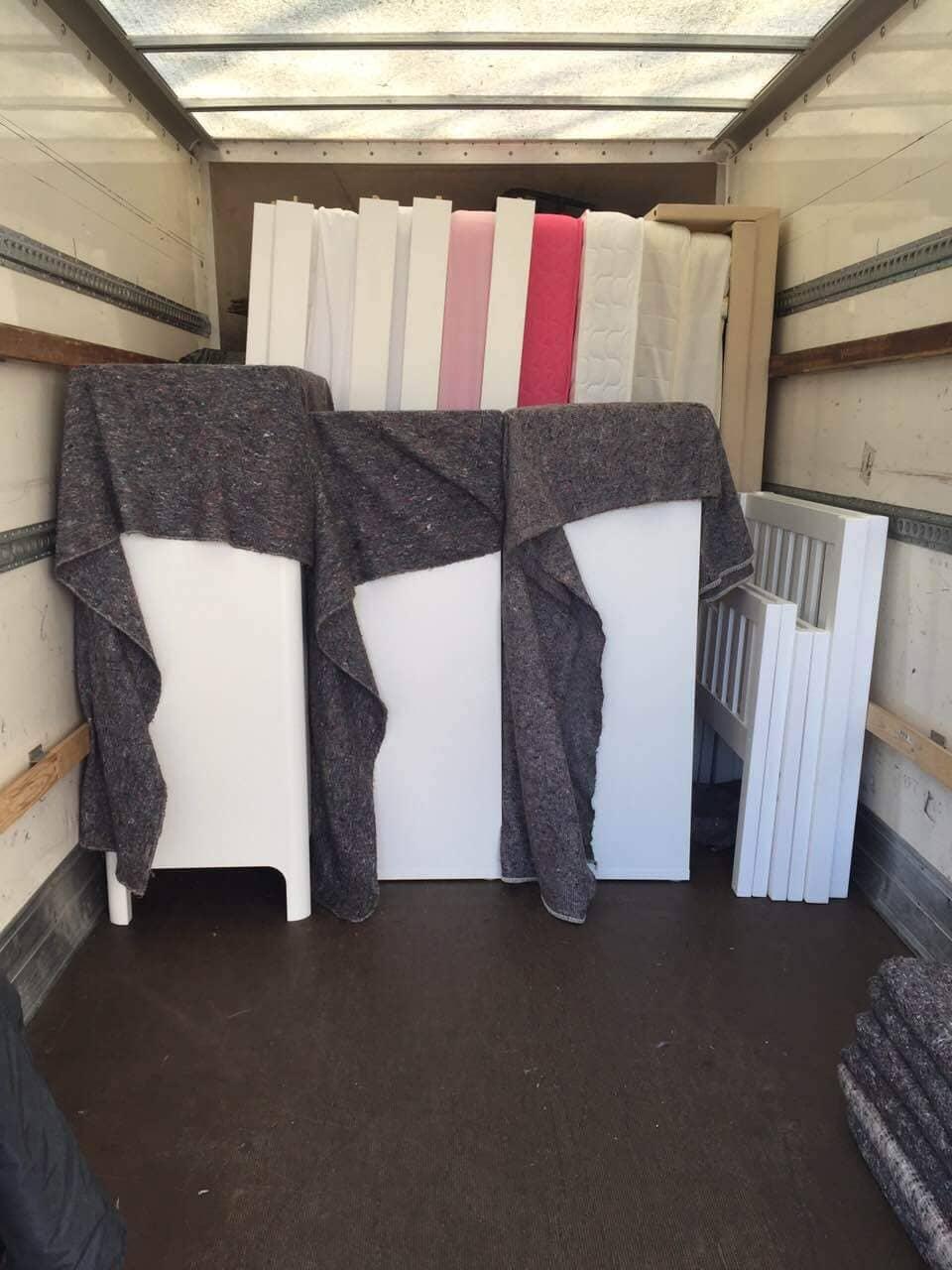South Kensington moving vans SW7
