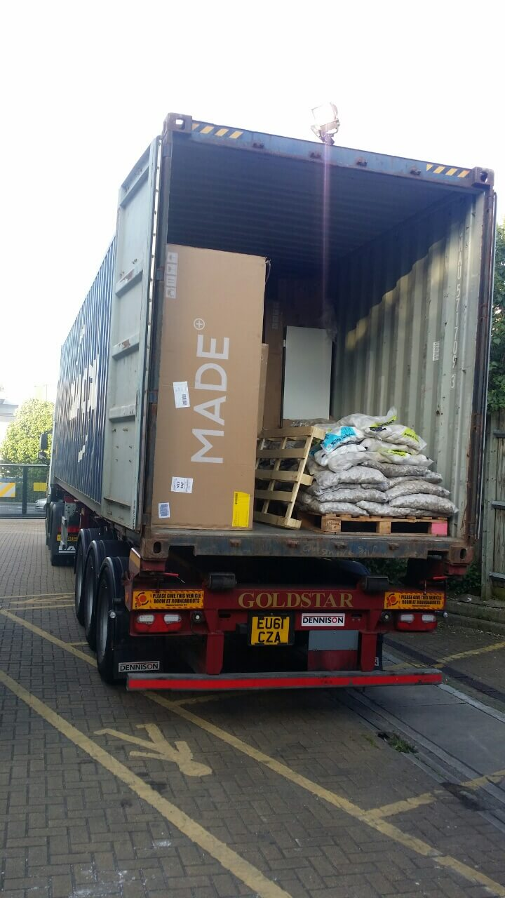 Harlington moving vans UB3