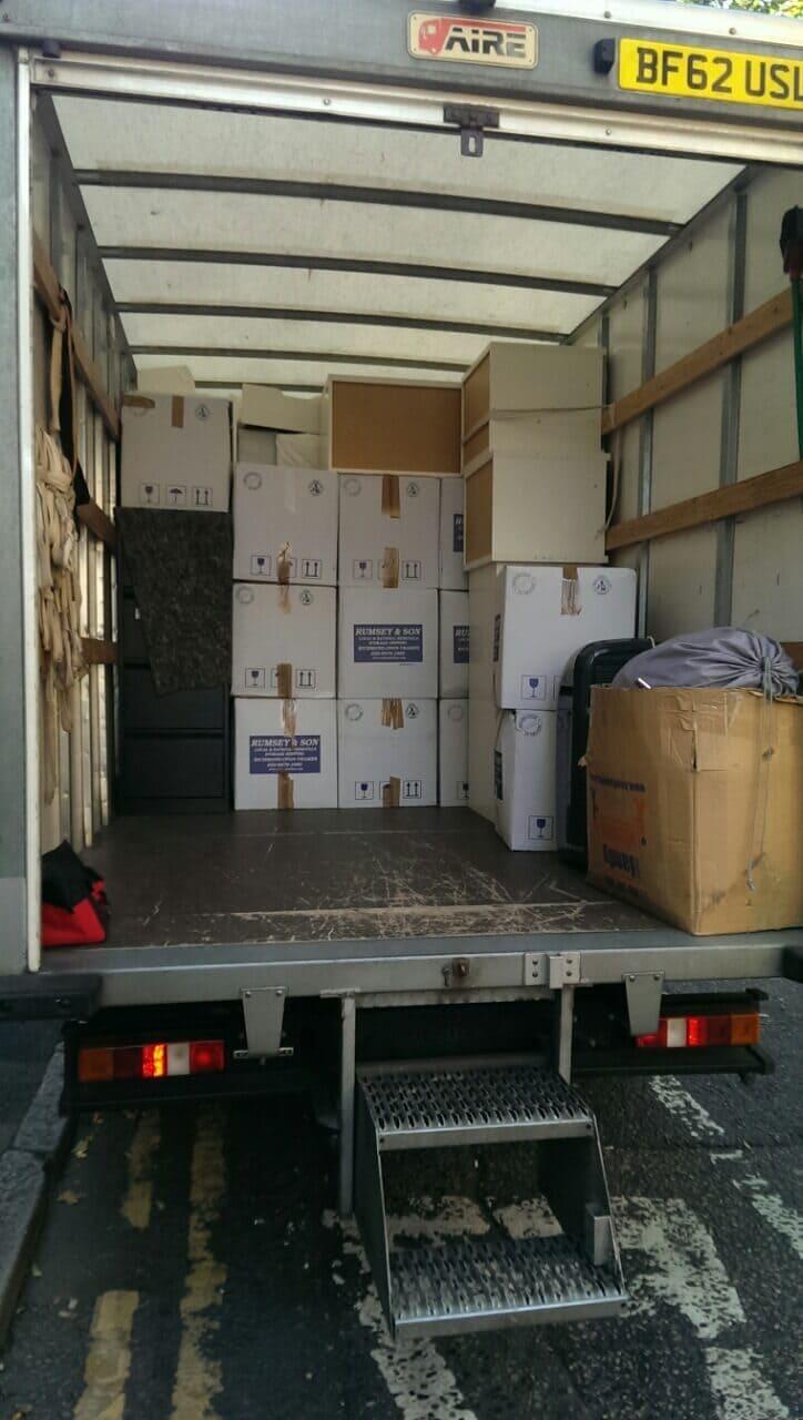 Mayfair moving vans W1