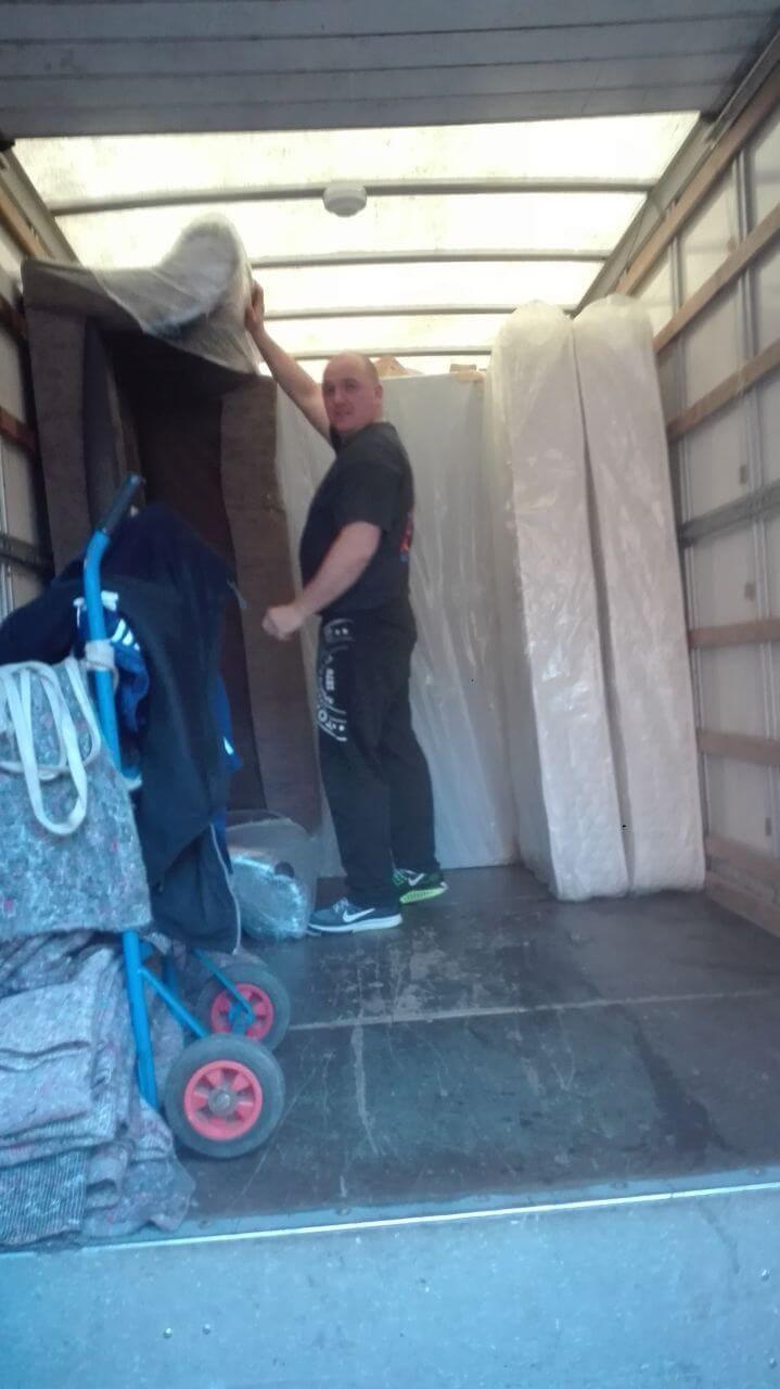 DA11 moving truck