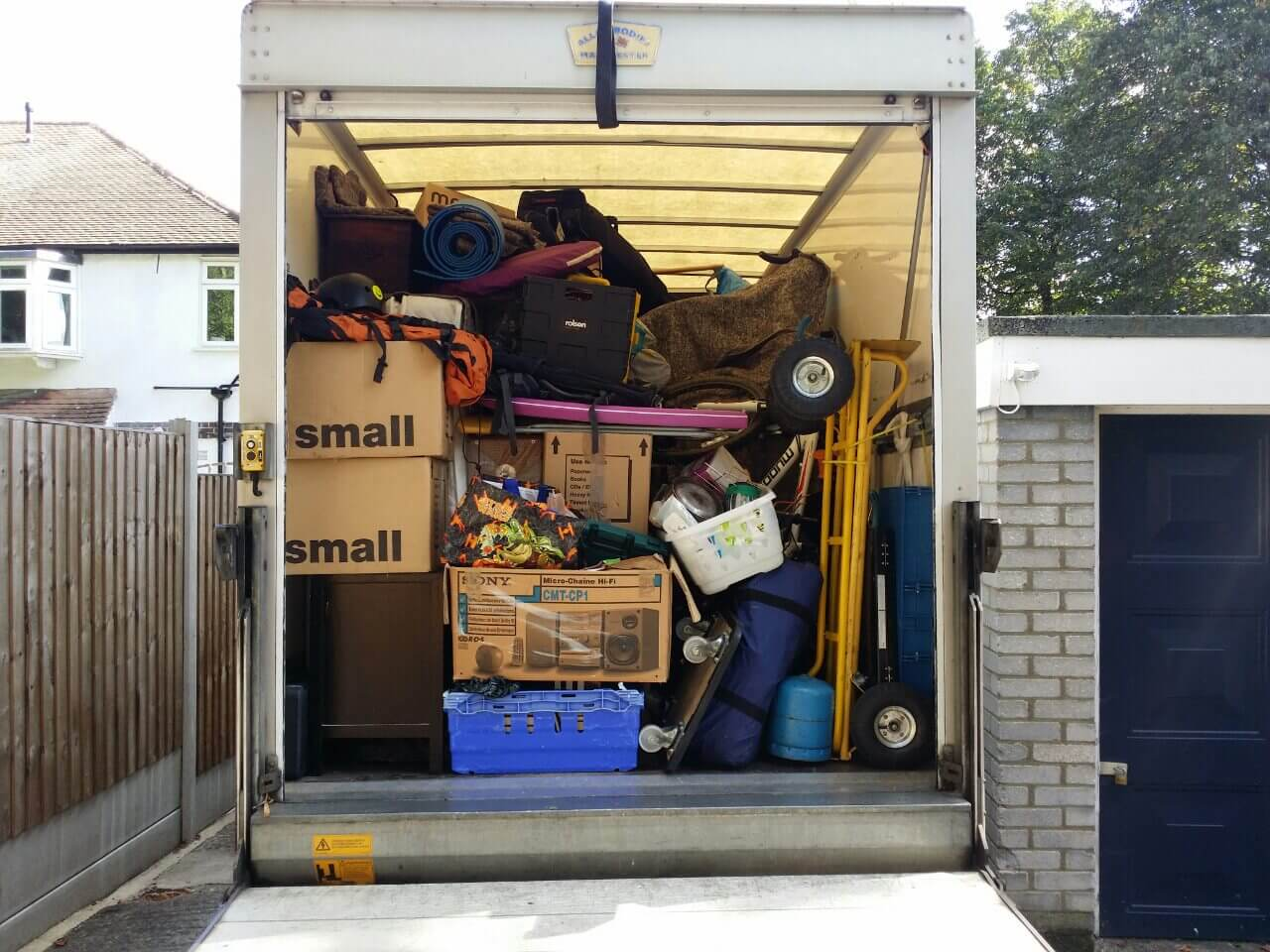 UB7 moving truck
